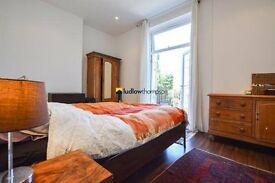 Beautiful 2 Bedroom, 2 Bathroom Apartment Moments From Finsbury Park