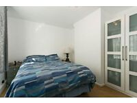 ~~~Immaculate three double bedroom apartment minutes from East Dulwich mainline station~~~
