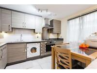 STUNNING GROUND FLOOR 2 BED PERIOD CONVERSION FLAT WALKING DISTANCE TO MANOR HOUSE STATION 1650PCM