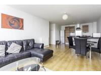 2 BEDROOM APARTMENT, PRIVATE BALCONY CLOSE TO LIMEHOUSE SATION
