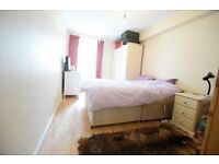 *** Fully Furnished 1 Bedroom Top Floor Flat Next To Kennington Park ***