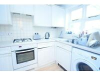 Nice 2 double bedroom property near Oval station - Available June!
