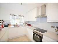 Beautiful 4 bedroom with private garden near kennington station!!!