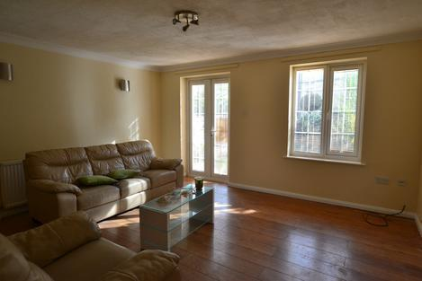 4 BEDROOM HOUSE WITH GARDEN, 2 BATHROOMS (EN-SUITE) CLOSE TO ROTHERHITHE/CANADA WATER STATION