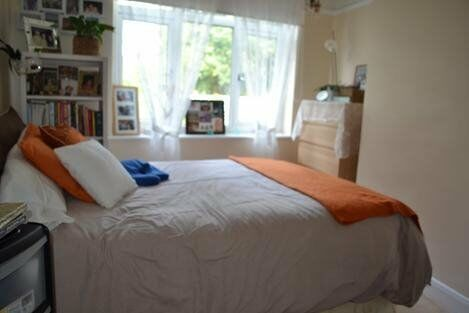 ** RECENTLY REFURBISHED 3 BEDROOM HOUSE TO RENT - AVAILABLE NOW!! **