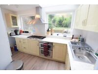 Beautiful three double bedroom property near Stockwell and Vauxhall station!!! CALL TO VIEW NOW!