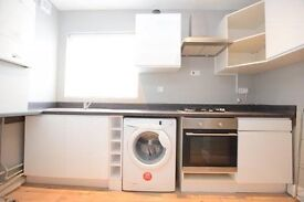 **Beautifully Presented** Large three bedroom flat close to Oval station Call asap to come and view!