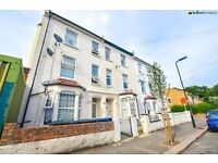 Huge 6 Double Bed Property On Gloucester Road