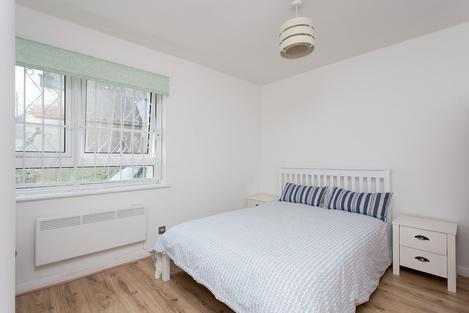 NEWLY REFURBISHED 2 BED FLAT LOCATED MINUTES FROM FINSBURY PARK STATION PARK HOUSE