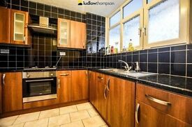 SPACIOUS 3 DOUBLE BEDROOM MAISONETTE IN A FANTASTIC LOCATION NEAR TRANSPORT LINKS - AVAILABLE NOW!!