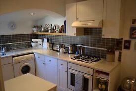 Modern 2 bedroom property with private garden near queens road and london bridge stations!!!