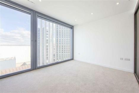 STUNNING ONE BEDROOM NEW BUILD FLAT SITUATED IN THE HEART OF THE CITY ACCOMPAINED BY AMAZING VIEWS