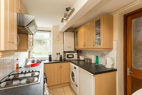 Superb Ground Floor Garden Flat, Seconds From Tooting Broadway Underground Station- SW17