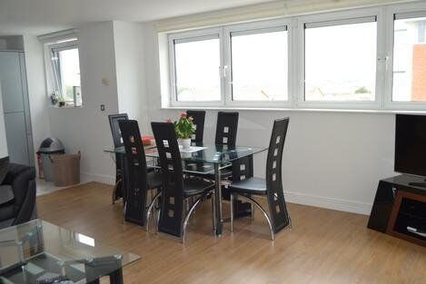 ****HOT HOT HOT STUNNING 2 BED APARTMENT, THAMESMEAD !! ***
