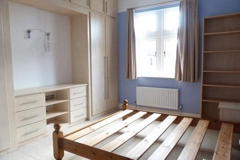 BEAUTIFUL GARDEN FLAT, 2 BEDROOMS, IN THE HEART OF WIMBLEDON!!