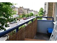 STUNNING 3DOUBLE BEDROOM FLAT LOCATED IN BROCKLEY FULLY FURNISHED PRIVATE BALCONY SPACIOUS LOUNGE