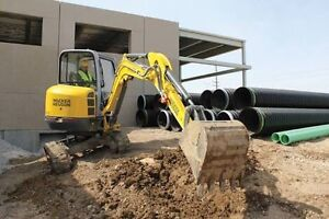Excavator dry hire DIY $ 350 day 4.0ton pt30 Posi track Mooloolah Valley Caloundra Area Preview