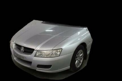 VZ HOLDEN COMMODORE FRONT PANELS & OTHER PARTS