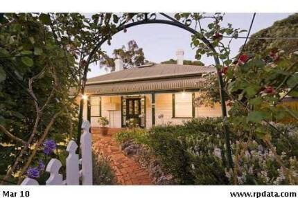 Spacious colonial double sized character bedroom East Frem East Fremantle Fremantle Area Preview