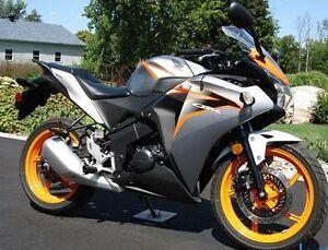Honda CBR125R 2011