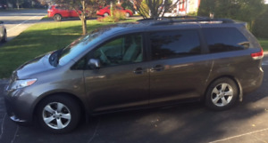 Toyota Sienna 2011 V6 LE 8 places