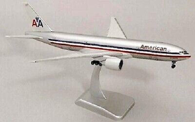 HOGAN WINGS 1097 1:200 AA AMERICAN AIRLINES BOEING 777-200 SNAP TOGETHER MODEL