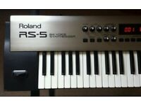 Roland RS-5 Synthesizer Very Good Condition