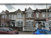 *Dss Accepted* 2 Bed Flat Available Now in Barking