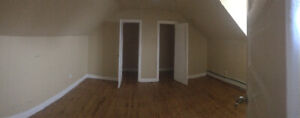 1 Room for rent in 2 bedroom, 2 level aprtment. Northern Ave.