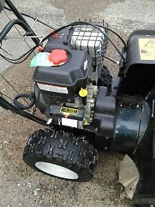SNOWBLOWER 14.5 H.P. 30 INCH CUT LIKE NEW