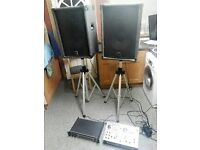 band /dj speakers with floor stands and speakers leads included