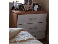 Oak effect chest of drawers