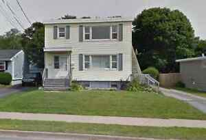 Large 2 bedroom apartment Central Dartmouth Utils Included