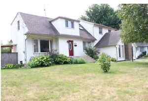 JUST LISTED!  OPEN HOUSE TODAY  2:00 - 4:00      LASALLE!