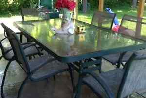 Aluminum table 6 chairs and umbrella