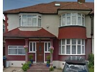 2 double bedroom 1st floor maisonette situated close to Woodside Park tube station