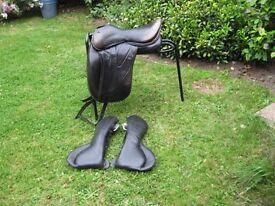 Wow Dressage Saddle