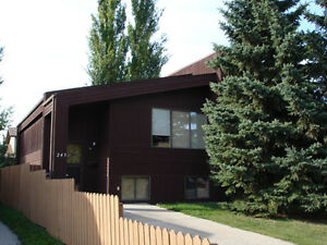 SILVERWOOD HEIGHTS 3 BED DUPLEX - AVAIL DEC 1