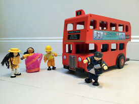 Wooden toy London bus, Le Toy Van - with passengers
