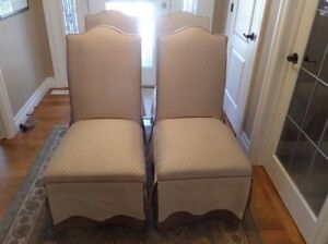 MINT CONDITION ELEGANT DINING CHAIRS