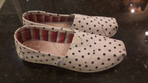 Tom's shoes women's size 8
