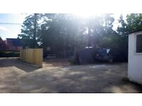 Yard to let. Commercial or private use.