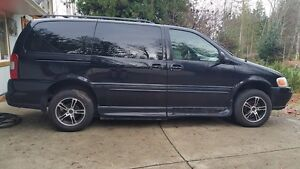 Accessible  Side entry, lowered 2002 Oldsmobil Silouette Minivan