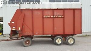 New Holland 816 Forage Wagon