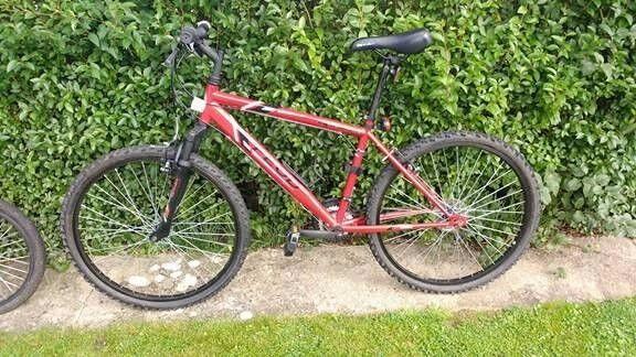 Mens or kids mountain bike never used