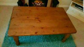 Coffee table pine