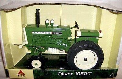 1950 Oliver Tractor 1:16 Ertl 16191