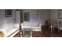Elegant One Bedroom Suite with own Garden in Ealing Broadway