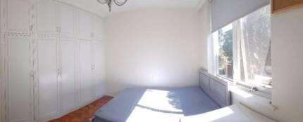 Large room available in Caulfield near Monash Uni