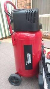 Taurus titanium air compressor Bli Bli Maroochydore Area Preview